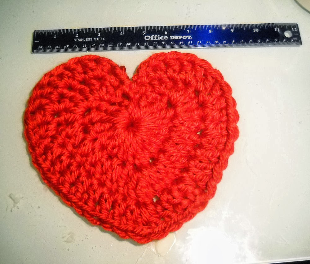 Binding Off: Crochet pattern for a large heart