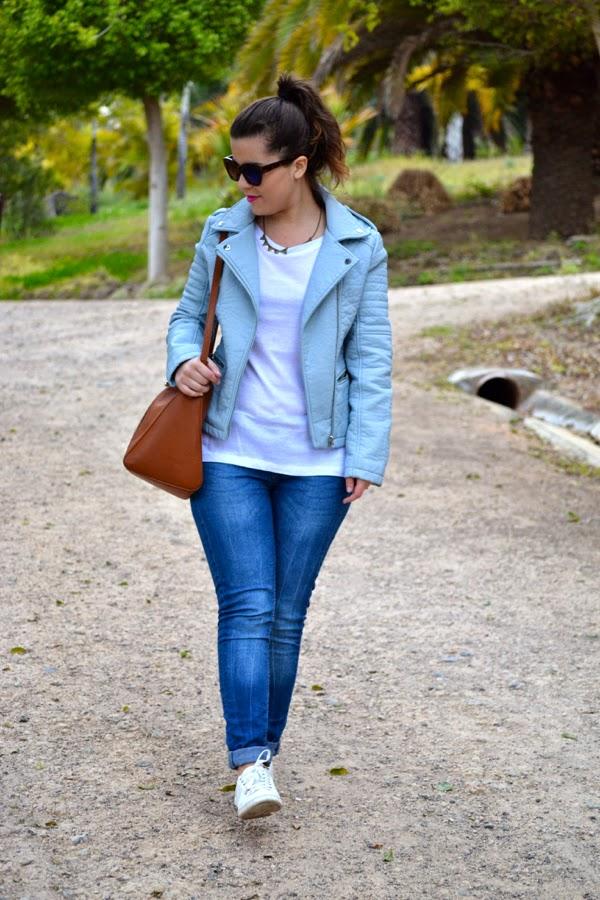 look_cazadora_azul_bebe_clon_zara_primark_stan_smith_lolalolailo_07