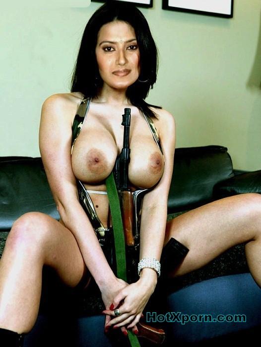 Actress Picture Of Kratika Sengar Nude Eposing Her Big Breast Fake