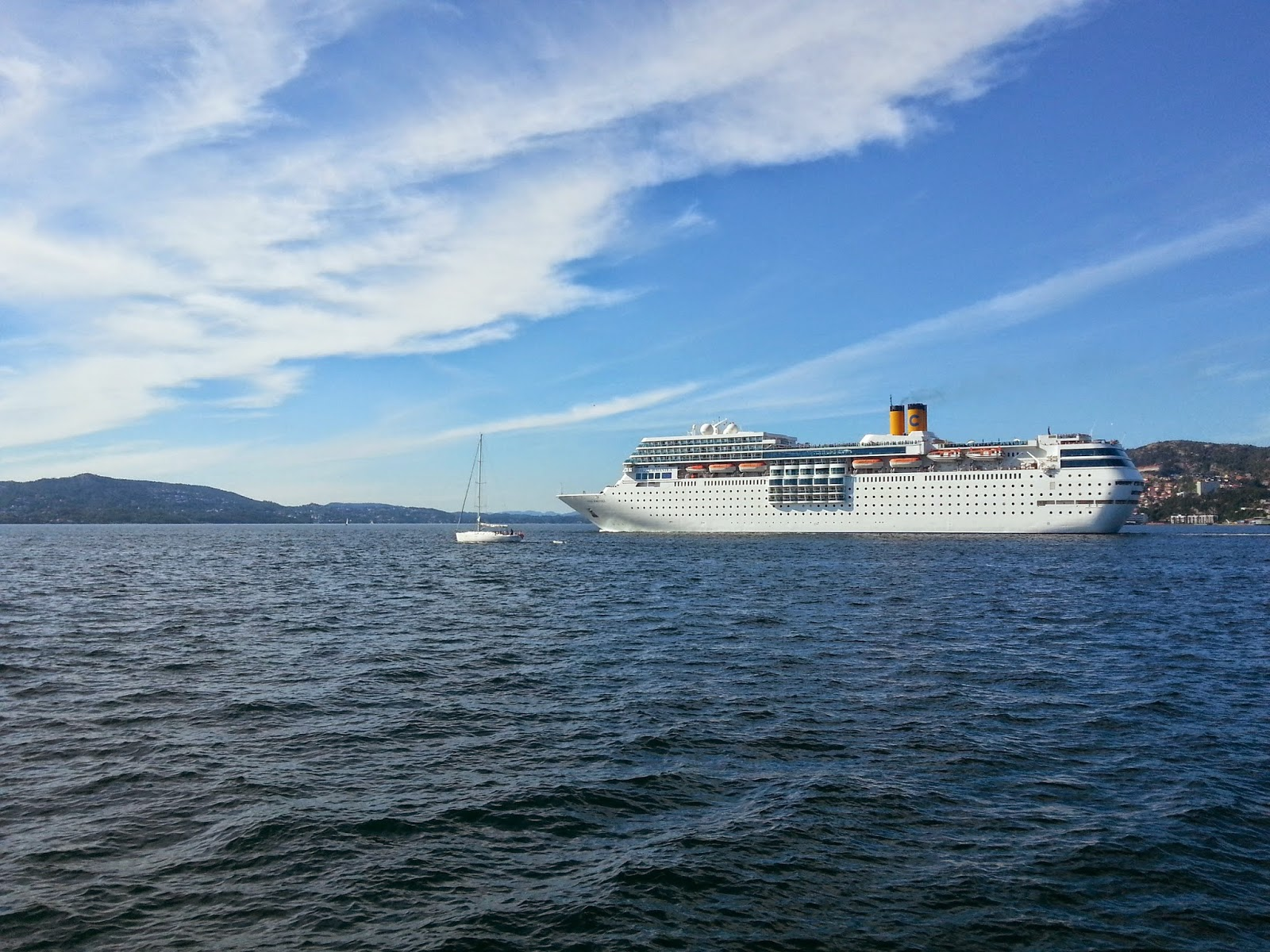 Cruise Ship Costa neoRomantica in Bergen