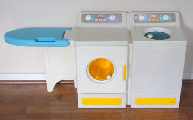 yard sale mommy what to sell wednesday little tikes washer dryer is on every girl 39 s wish list. Black Bedroom Furniture Sets. Home Design Ideas