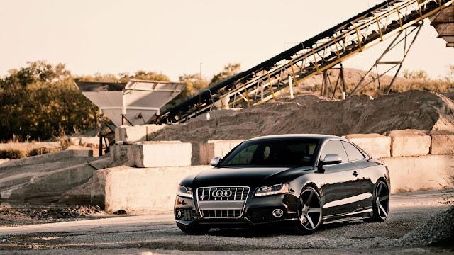 Black Audi S5