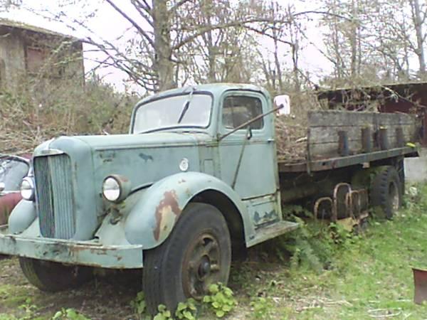 1951 Mack A-30 Truck - Old Truck
