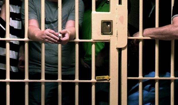 Κράτος δικαίου: Στη φυλακή τρεις Ιρλανδοί τραπεζίτες για την κρίση του 2008