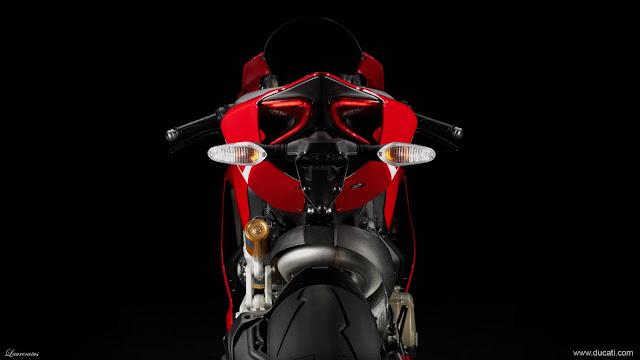 Superbike-Ducati-1199-Panigale-R-2013_7