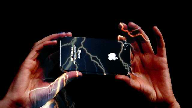 Chinese Woman Electrocuted To Death By Apple's Iphone 5