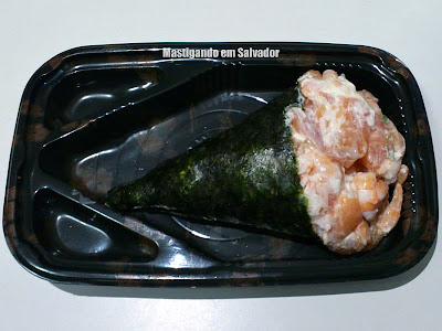 Sushi Bahia Delivery: Temaki Mix (Camarão, Salmão e Cream Cheese)