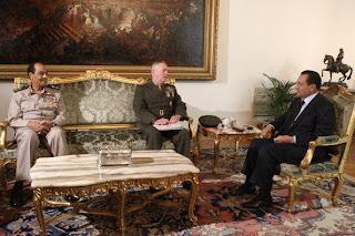 شاهد وصية الرئيس السابق حسني مبارك لطنطاوي قبل تنحيه بساعات