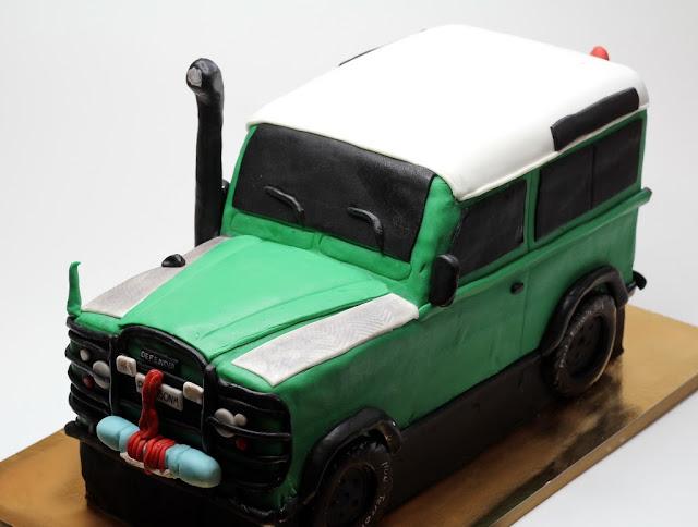 Land Rover DEfender Birthday Cake - London Cakes