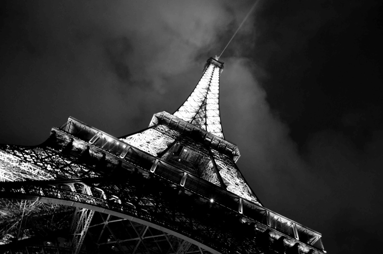 Wonderful Wallpaper High Quality Black And White - Eiffel-tower-paris-black-and-white-photos-07  Perfect Image Reference_371161.jpg