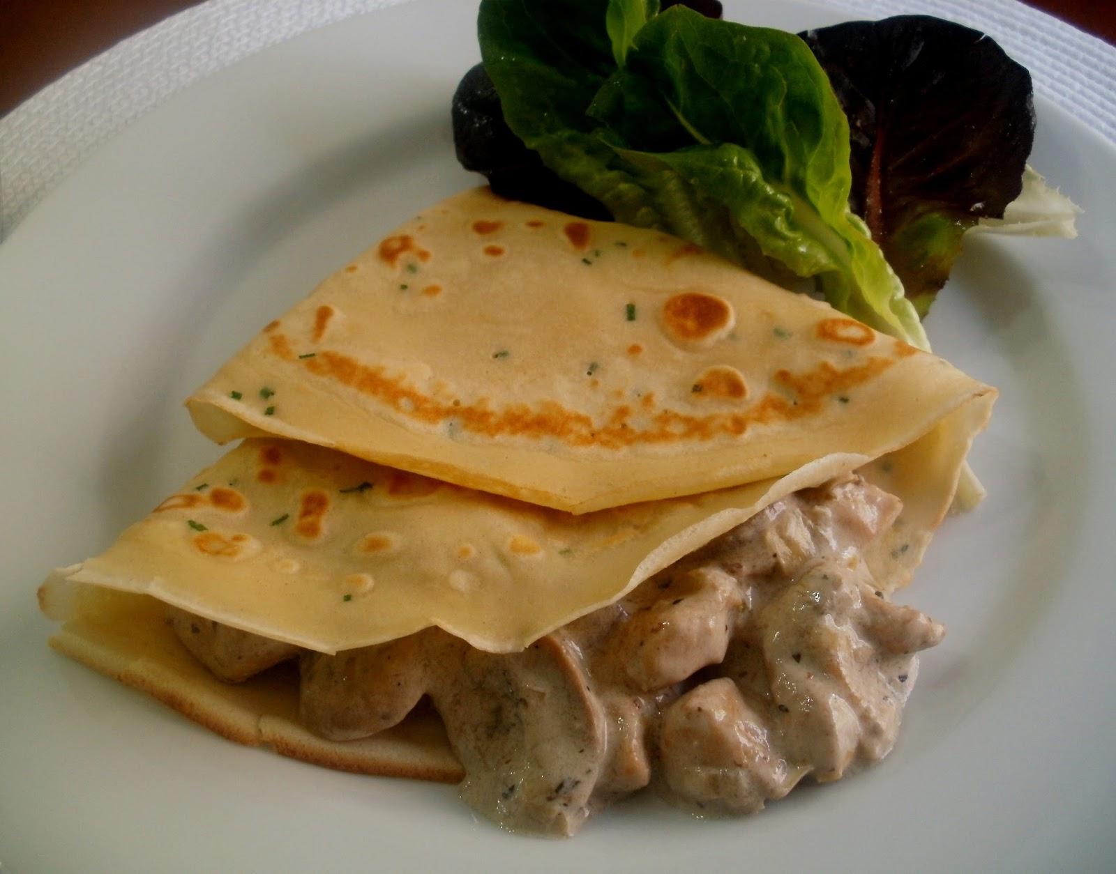 Crepes con pollo y champi ones for Salsa para crepes