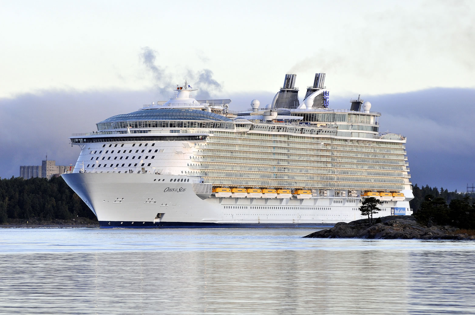 The world largest cruise ship my pakistan for Best us cruise lines