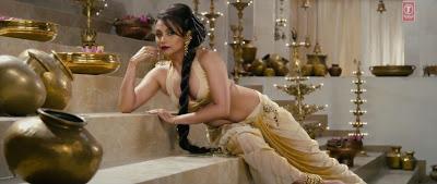 Rani Mukherji (aiyya movie 2012)