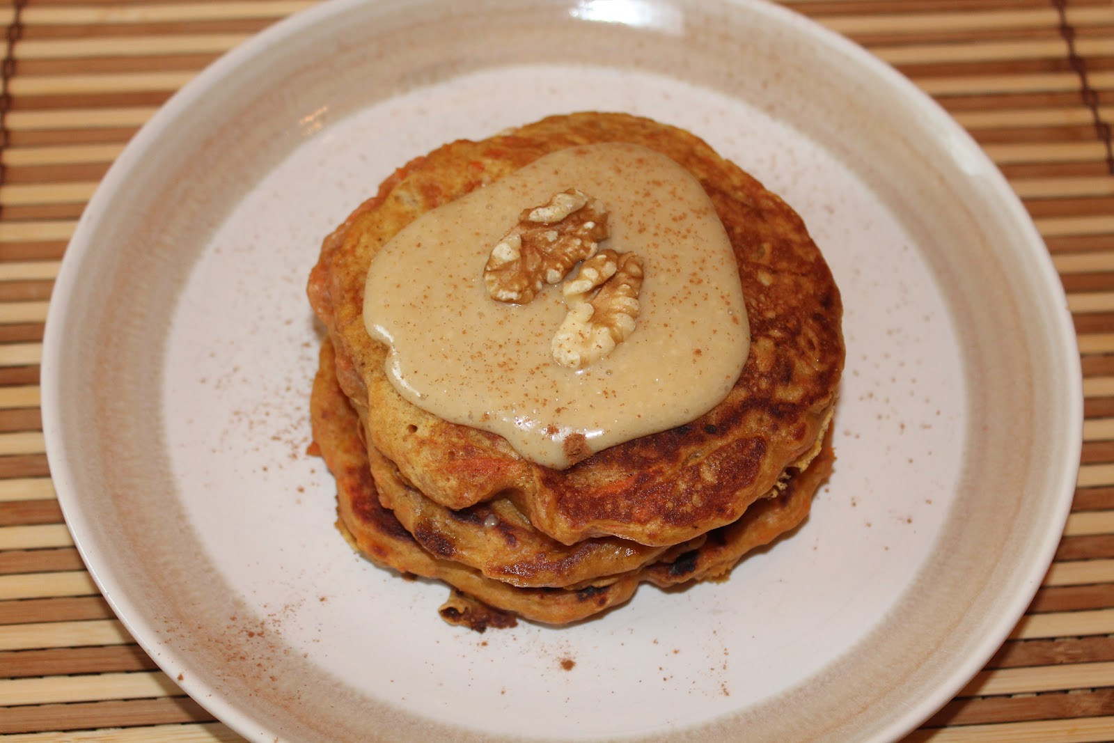 Savory Moments: Carrot cake pancakes