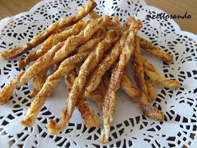Snack al prosciutto e sesamo ricetta fngerfood aromatizzato ai semi
