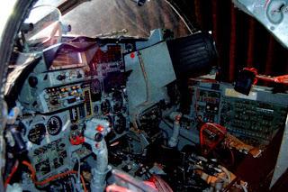 Кабина бомбардировщика Су 24М.