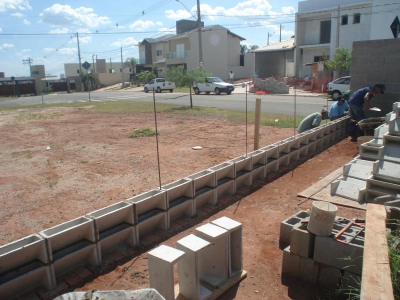 jardim vertical neorex : jardim vertical neorex:Vista geral da parede com blocos de Jardim Vertical
