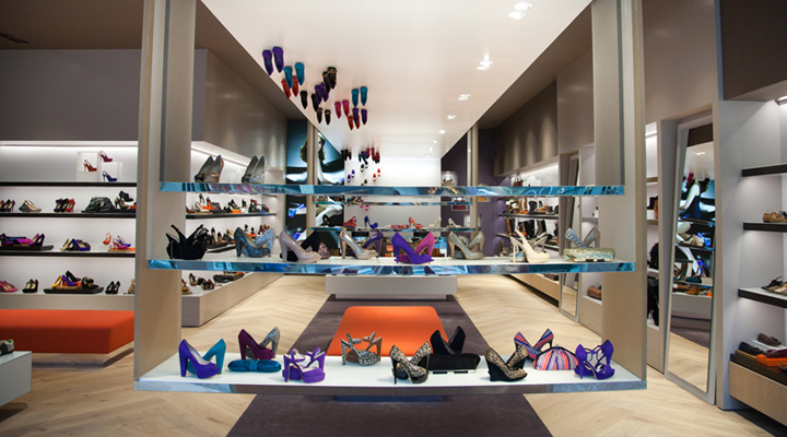 The destination for style-conscious shoppers, ALDO Shoes US is all about accessibly-priced on-trend fashion footwear & accessories.