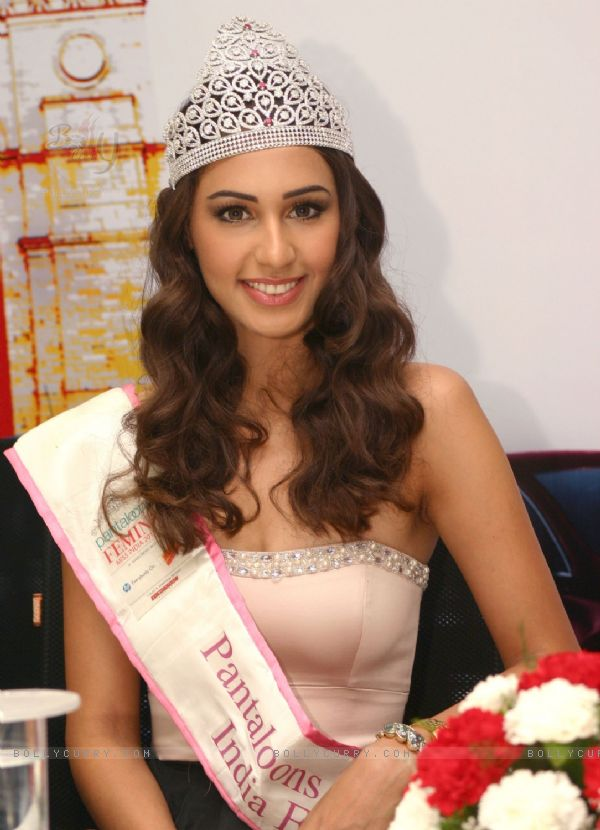 Hasleen Kaur,Miss Earth India 2011