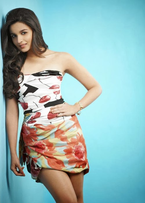 Alia Bhatt hot thunder juicy thighs visible in her big milky Skirt