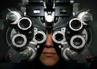 I visited the eye doctor last week for an exam.
