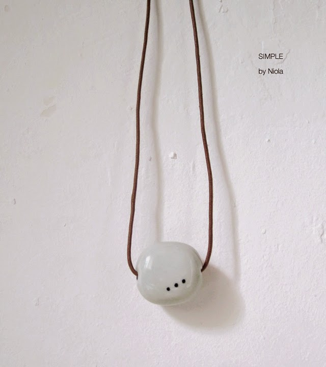 SIMPLE handmade necklace by Niola @srtamalasuerte