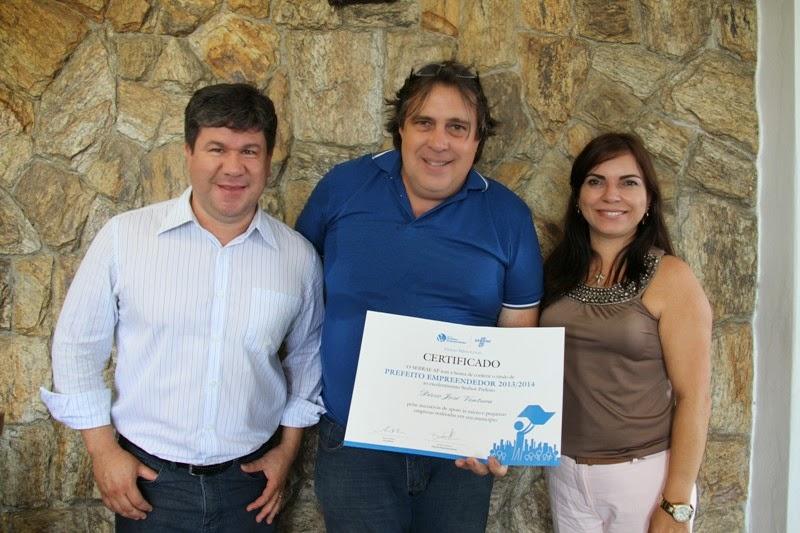 Ilha Comprida recebe o selo Prefeito Empreendedor do Sebrae-SP