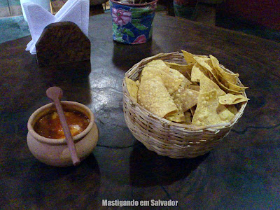 Me Gusta Sabor Mexicano: Nachos com Molho Salsa com Caranguejo
