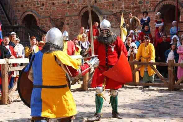 Knights tournaments in Mir Castle