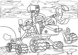 mewarnai gambar angry bird naek traktor