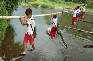 بالصور أخطر مدرسة في العالم