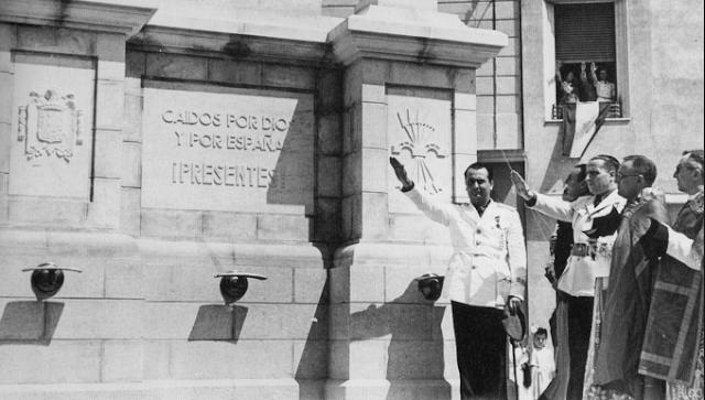 franquistas inauguran un monumento