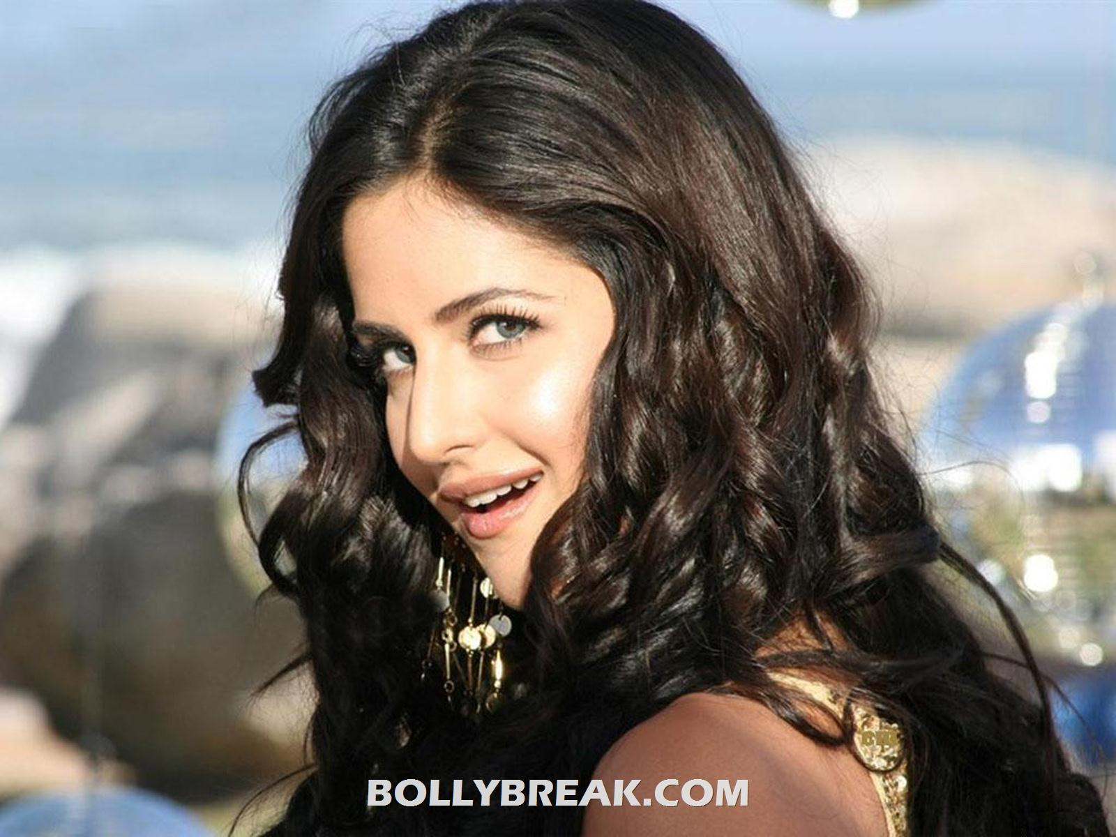 Katrina Kaif Hd Wallpaper - Face Close up - Katrina Kaif Hd Wallpapers - Happy Birthday 2012