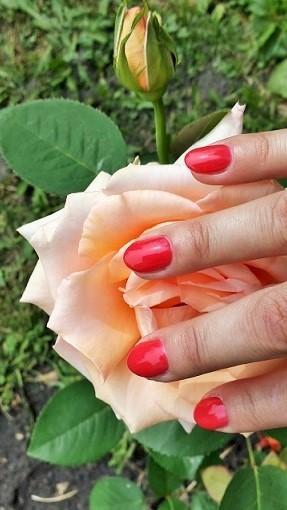 jak wysuszyć lakier do paznokci