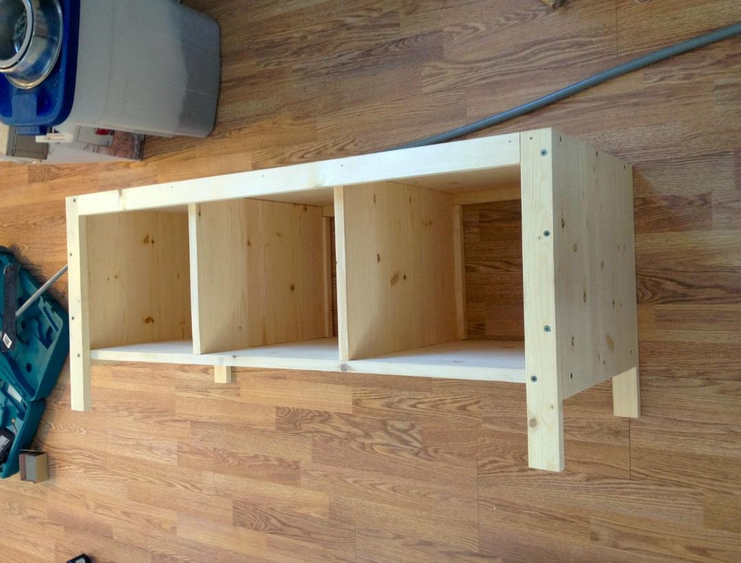 Great White Nowhere: Entryway Storage Bench
