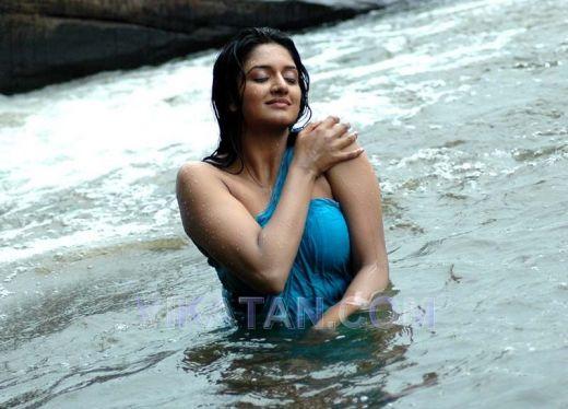 vimala raman hot wet river pictures