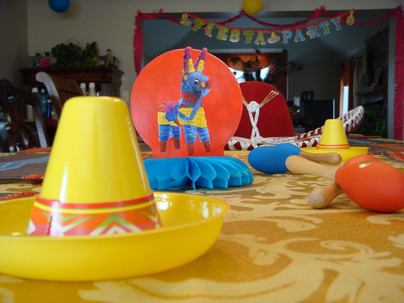 Stylish entertaining cinco de mayo themed party for 5 de mayo party decoration