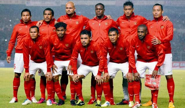 Timnas Indonesia, Bagaimana Jika Kita Lupakan Saja Sepakbola, Indonesia ?