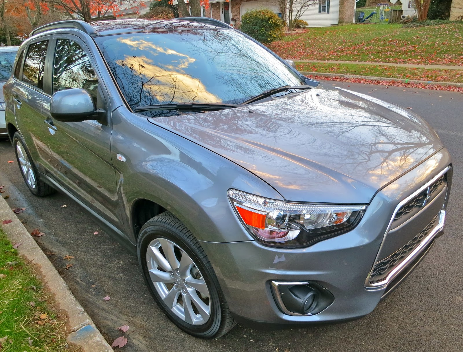 meet the 2013 mitsubishi outlander sport se a 4wd 4 door suv with a 20 l engine already i think shes pretty stylish but for those of you that cant - 2013 Mitsubishi Outlander Sport Se