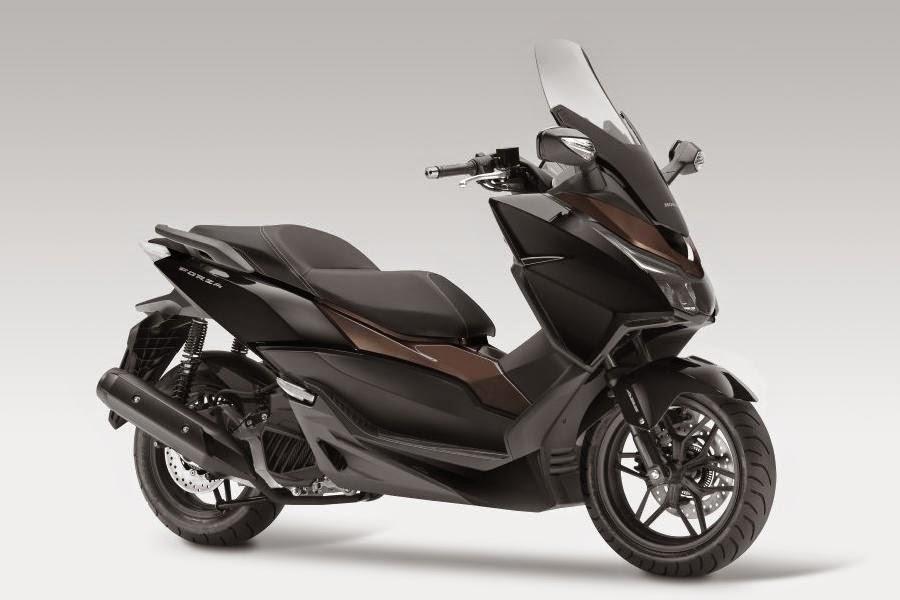 Honda Forza 125 (2015) Front Side