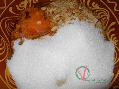 Colocar los ingredientes en un recipiente para amasar.
