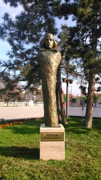 statuia lui William Shakespeare