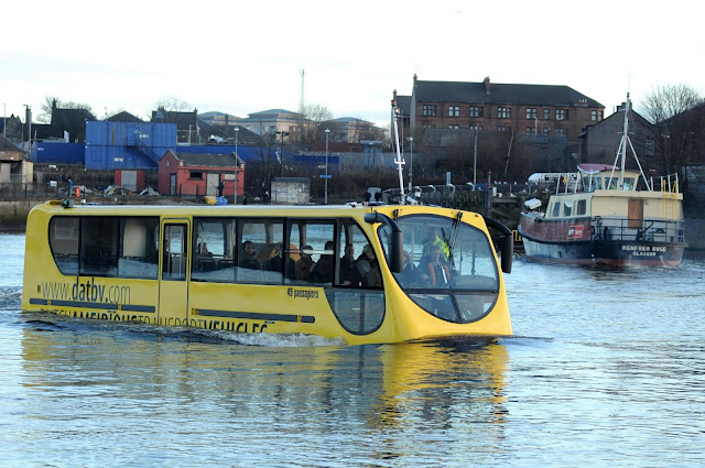 WATER FLOATING BUS