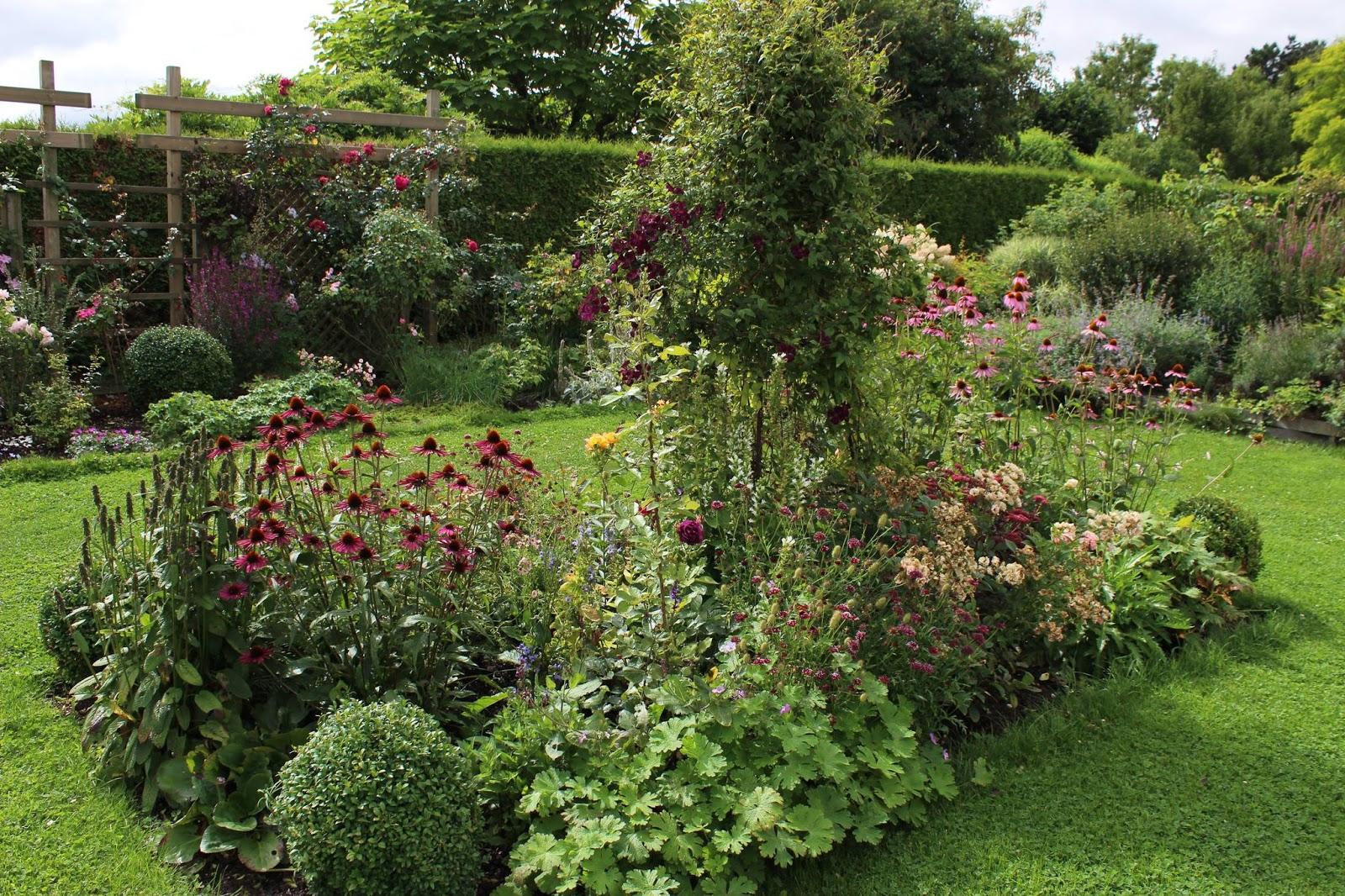Derri re les murs de mon jardin projet d automne le coin du cerisier - Derriere les murs de mon jardin ...