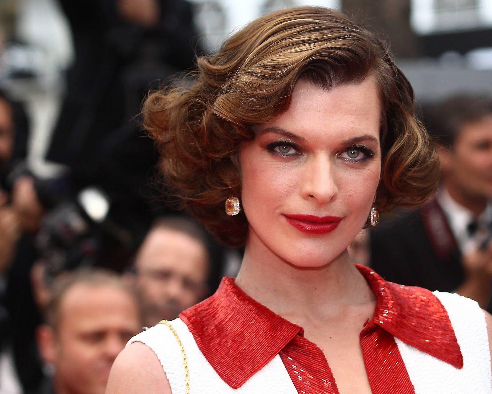 http://3.bp.blogspot.com/-kWyuoONLl7g/TdVjC2nPAQI/AAAAAAAAEHw/szf14wiLYTg/s1600/Kurupt_Milla_Jovovich_Screening_of_La_Conquete_Cannes_12.jpg