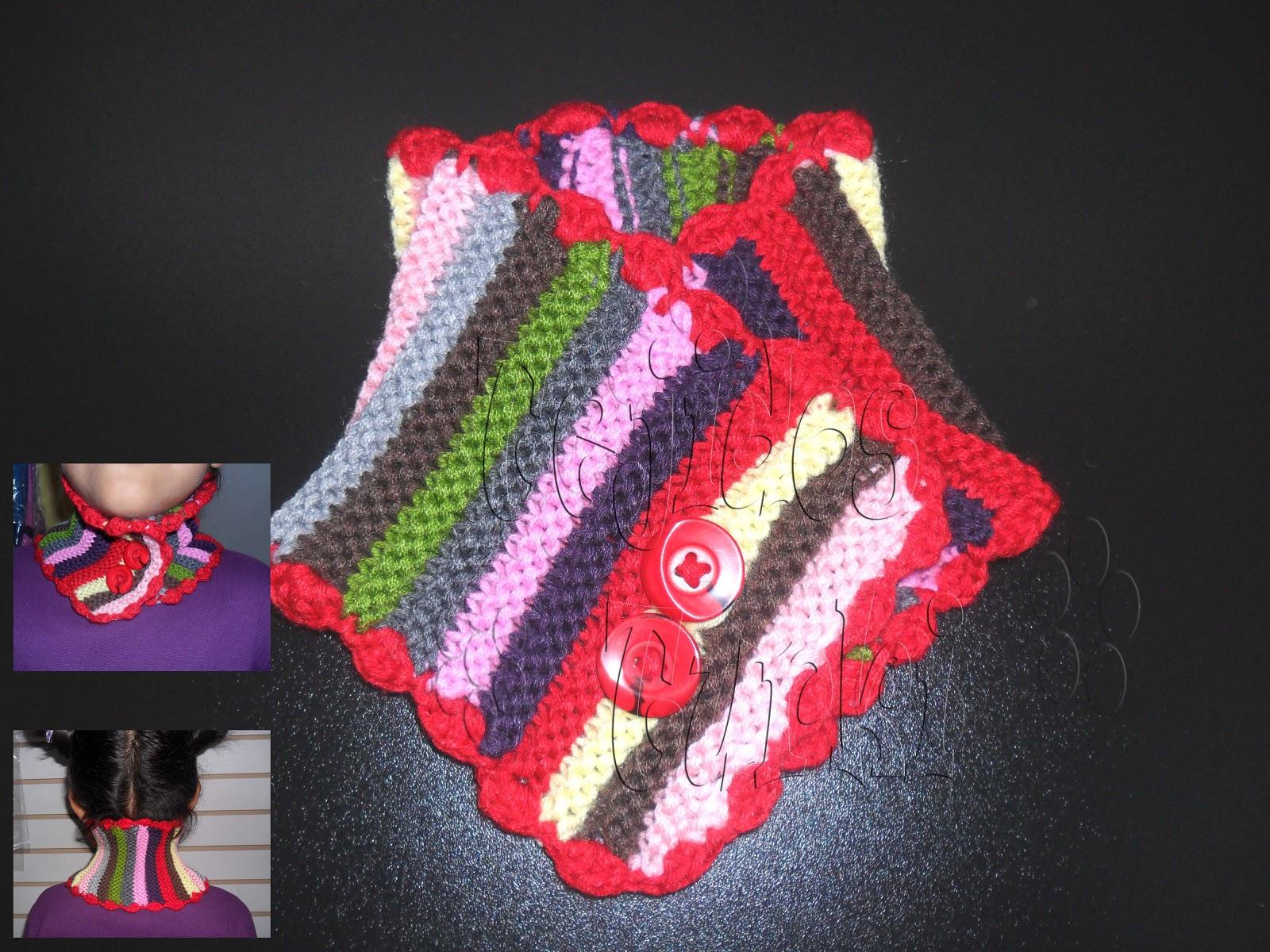 Esta bufanda collar, como las llamo, mide 46 cms. de largo x 14 cm ancho. Lleva bordes tejidos a crochet, en donde los extremos se han hecho bobitos con el