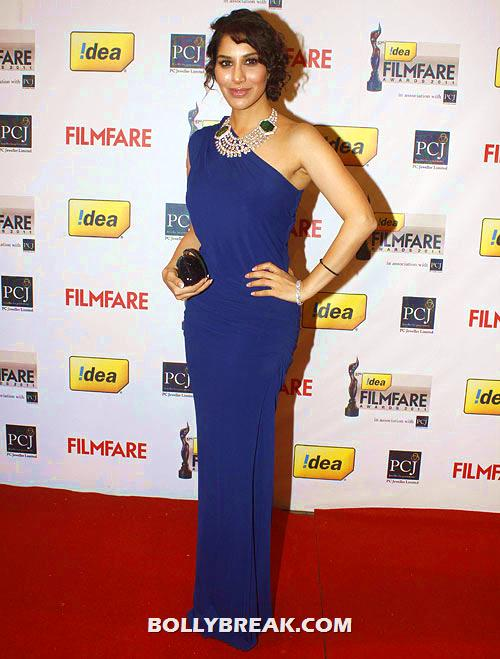 , Who Is Best Dressed Bollywood Actress - Poll