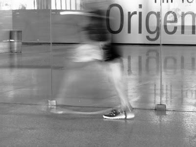 Origem e destino, by Guillermo Aldaya / PhotoConversa