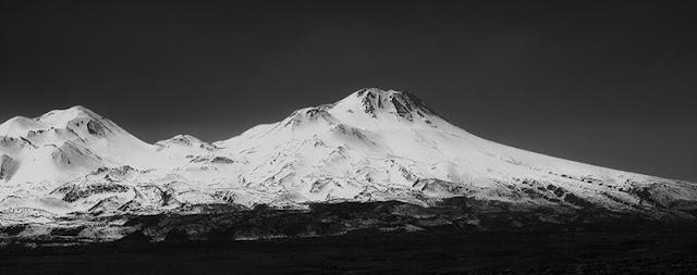 siyah beyaz doğa fotoğrafları