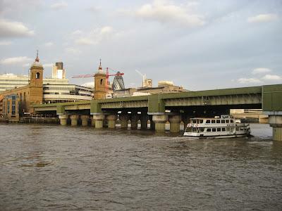 UK - London - Bankside: Cannon Street Railway Bridge